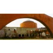 Placa recuerda represión dentro muros cárcel ahora acoge MEIAC