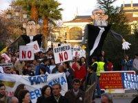 Entre 4000 y 5000 personas se manifiestan en Zafra contra la Refineria